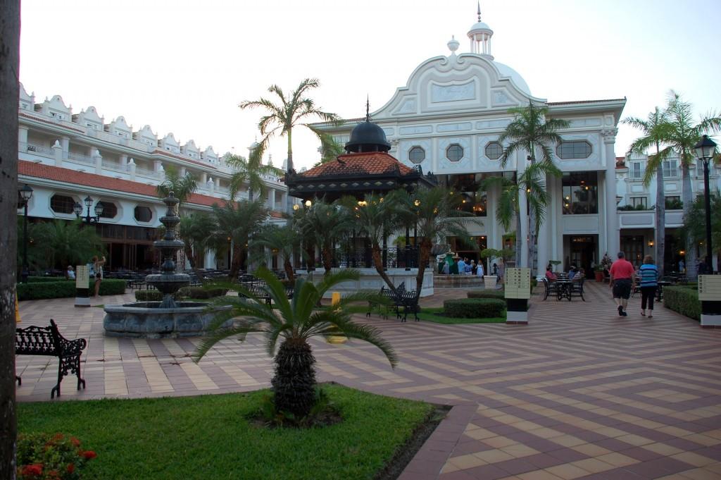 RIU Palace Riviera Maya plaza