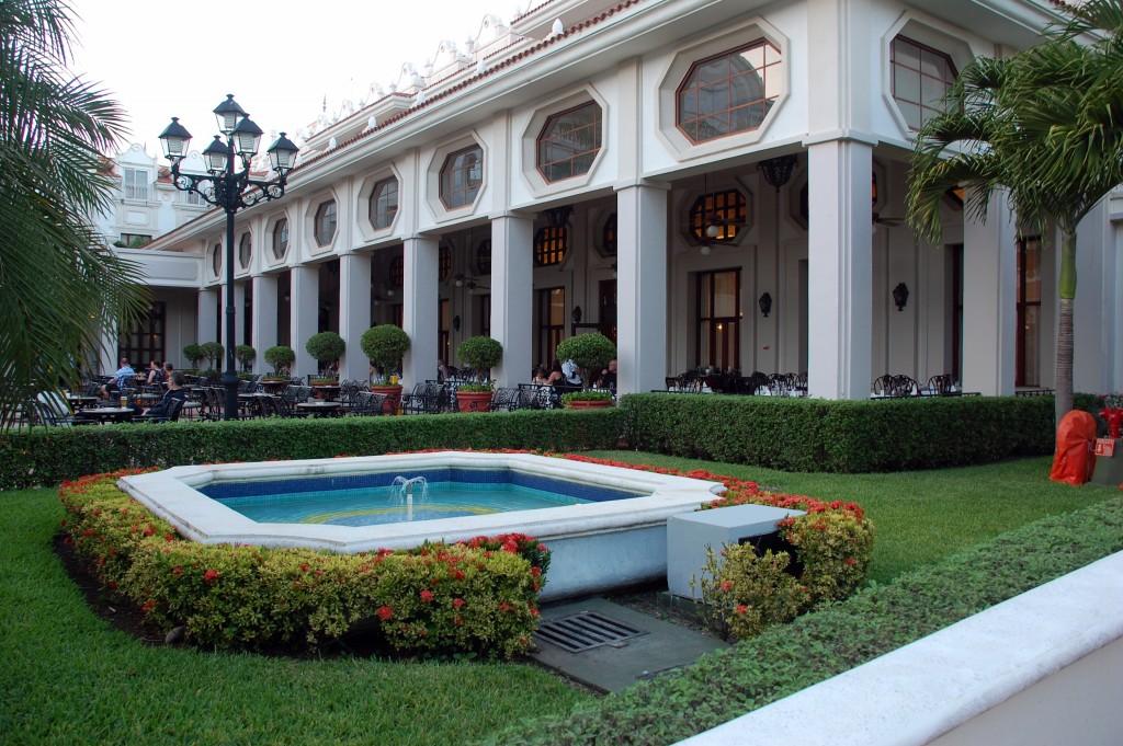 RIU Palace Riviera Maya buffet