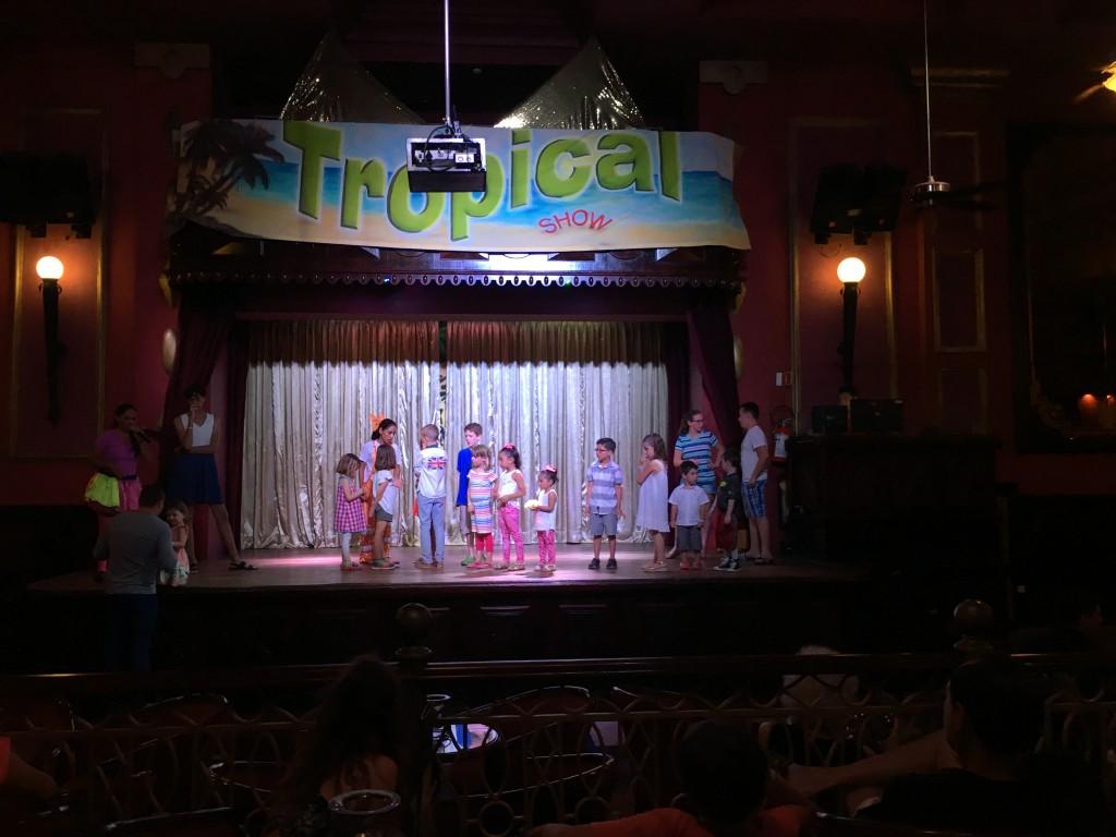 RIU Palace Riviera Maya kids show
